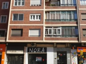 Business premises in Camino Las Torres 99